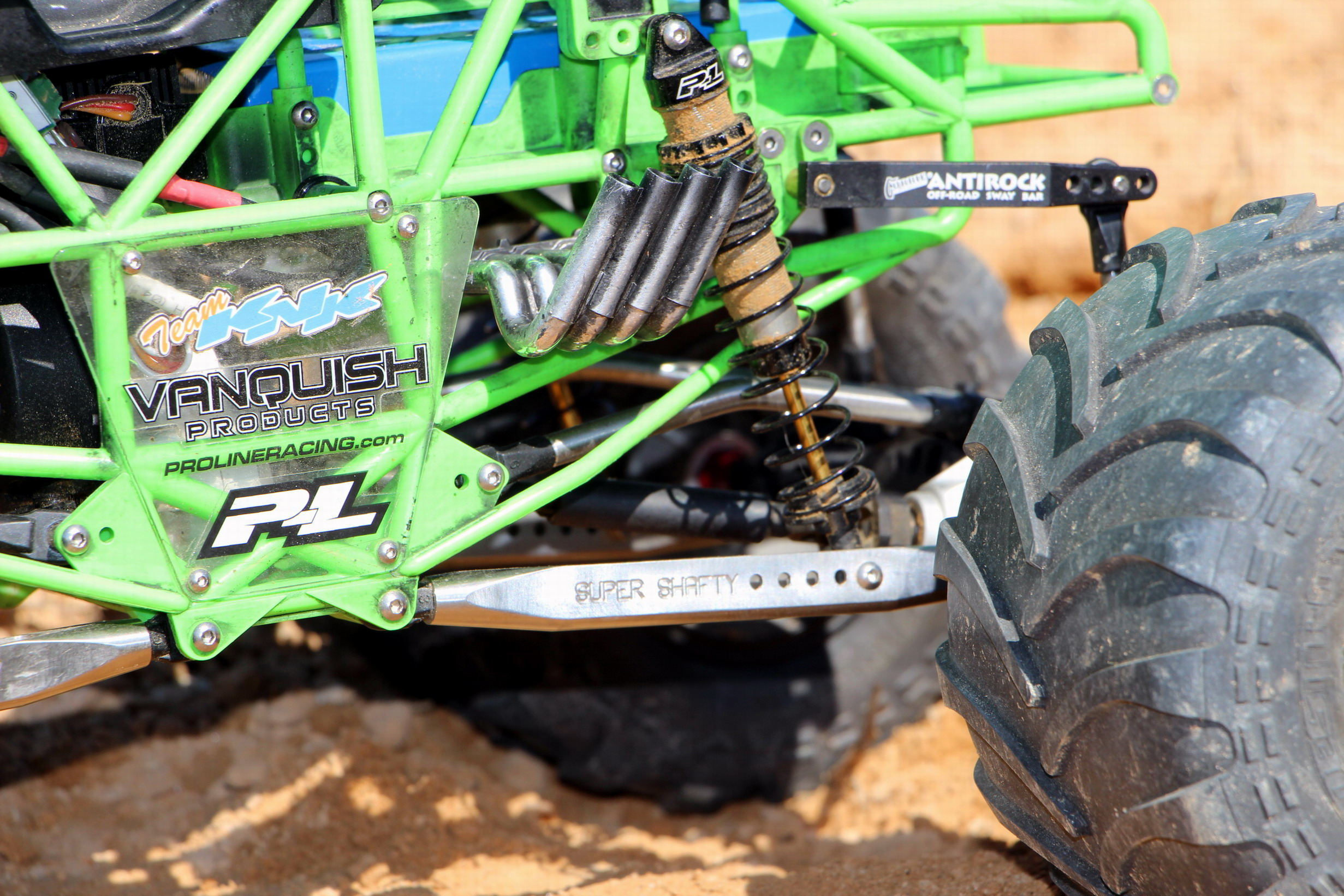 Pro Line Puts The Quot Digger Quot In Axial Racings Smt10 Grave